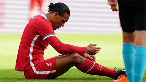 Klopp hy vọng Van Dijk có thể dự Siêu cúp Anh gặp Arsenal